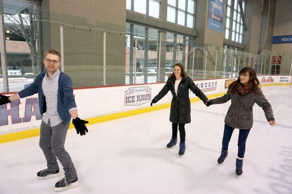 2016Holiday-Skating2